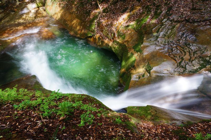 美しすぎる碧い滝壺!奈良県宇陀市「龍鎮の滝」は手軽に行ける秘境