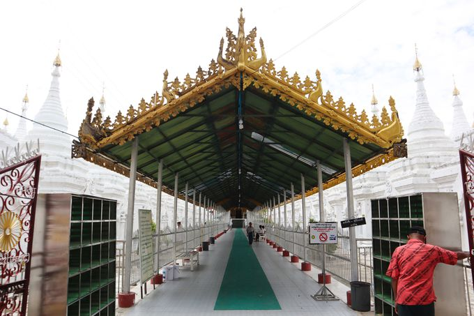 ミャンマーでのパゴダ観光の際の注意点