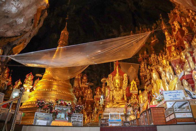 所狭しと並ぶ圧巻の仏像の数