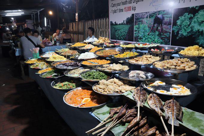 夜:ナイトマーケットではお土産探しと夜ご飯!