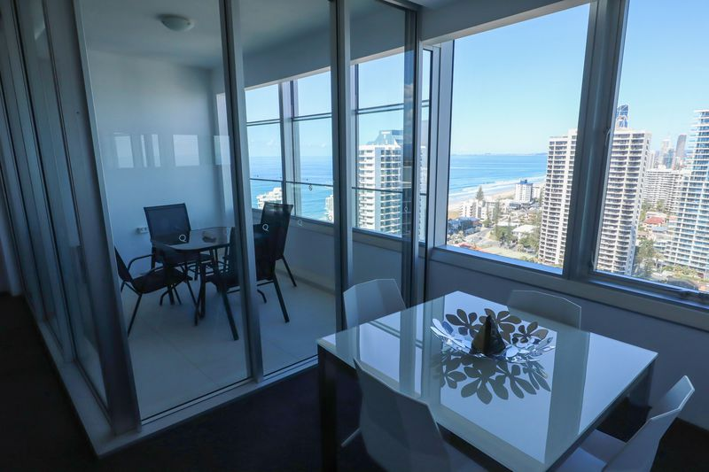 オーストラリアで一番高い住居ビルにある「Q1 リゾート&スパ」