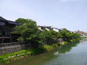 文学の街・金沢。主計町茶屋街を歩いて「泉鏡花記念館」へ