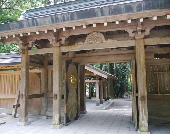 天孫降臨の聖地・高千穂峰を間近に望む「狭野神社」