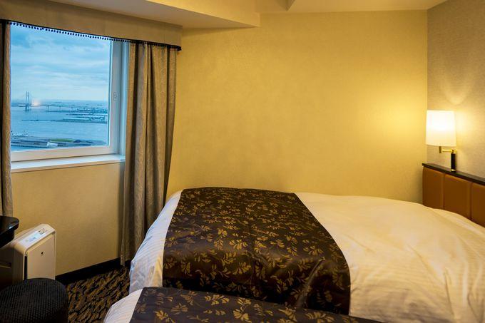 横浜ランドマークタワーやベイブリッジが眺められる客室