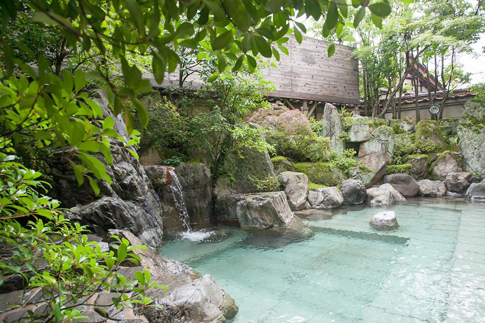 1300年前に神のお告げで発見された霊泉