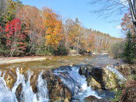 北海道にナイヤガラの滝が!?滝巡りと湯巡りの贅沢な休日