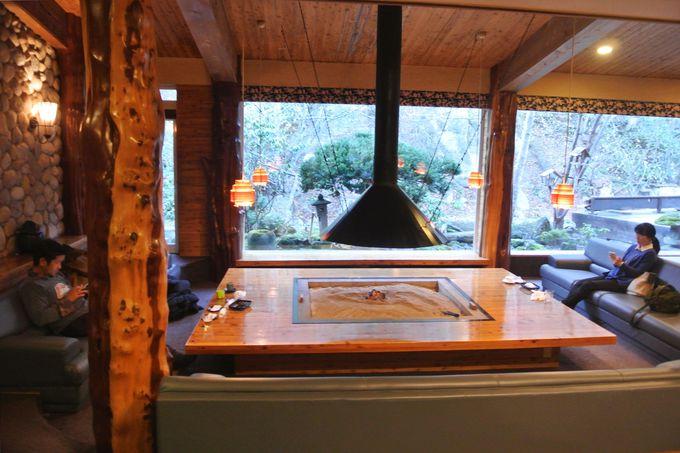 シマフクロウが飛来する秘湯の宿
