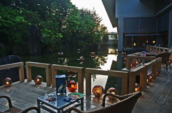 くつろぎの水上テラス「津軽四季の水庭」