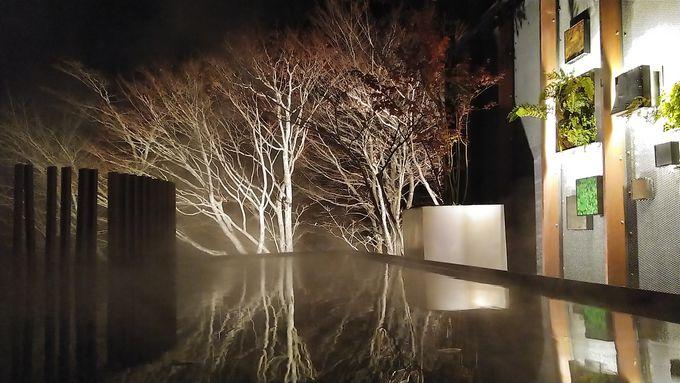露天風呂で「湯のアート」を楽しむ