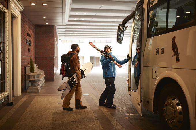 無料送迎バスでカムイスキーリンクスへ