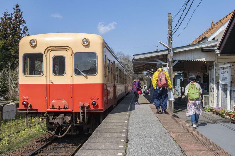 大正から昭和の香りを残す「小湊鐵道」の歴史的駅舎を巡ろう