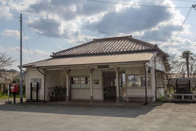 ドラマやCMのロケ地の聖地、上総鶴舞駅