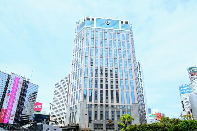 横浜駅地下街直結で雨の日も安心・チェックインはクラブラウンジで
