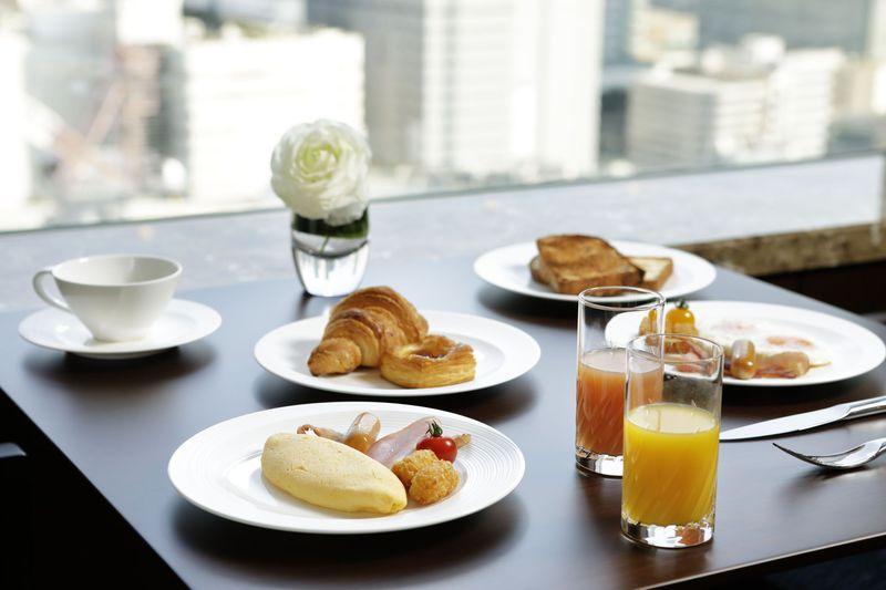 朝から満足!選べる朝食プランや無料フィットネス