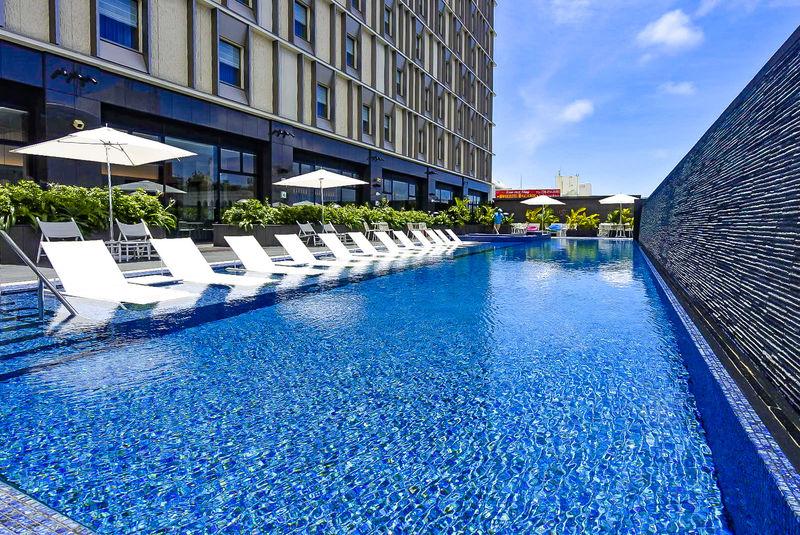 「ホテル コレクティブ」国際通りの沖縄シティリゾート!