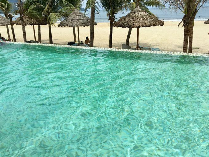 ミーケ ビーチで貴重なビーチ サイド プール!