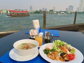 チャオプラヤー川のほとりで朝食を「ラマダ プラザ メナム リバーサイド バンコク」