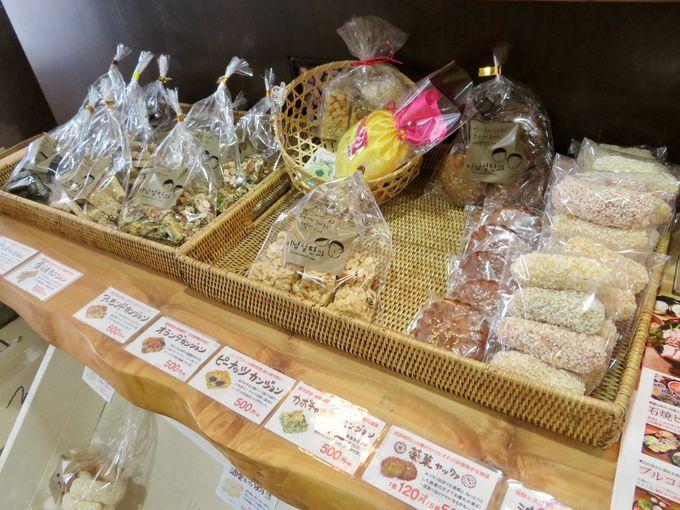 韓国の伝統的な商品もチェック