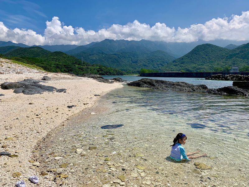 天然の水族館と絶景!屋久島の栗生(くりお)の海で遊ぼう
