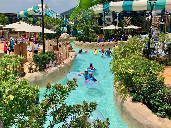 子どもが遊べるプールもいっぱい!