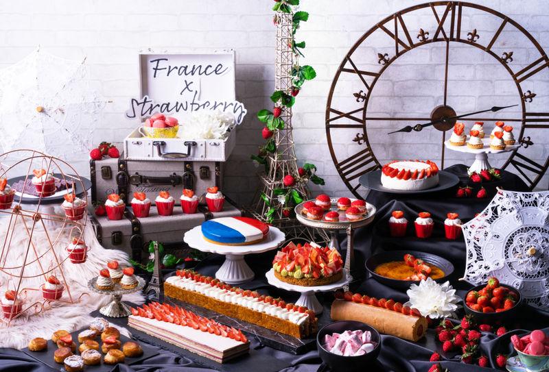 いちごスイーツで世界旅行!コンラッド大阪・Travel 4 Strawberries