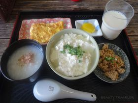 石垣島での朝食は「とうふの比嘉」のゆし豆腐セットでいただくのが正解!