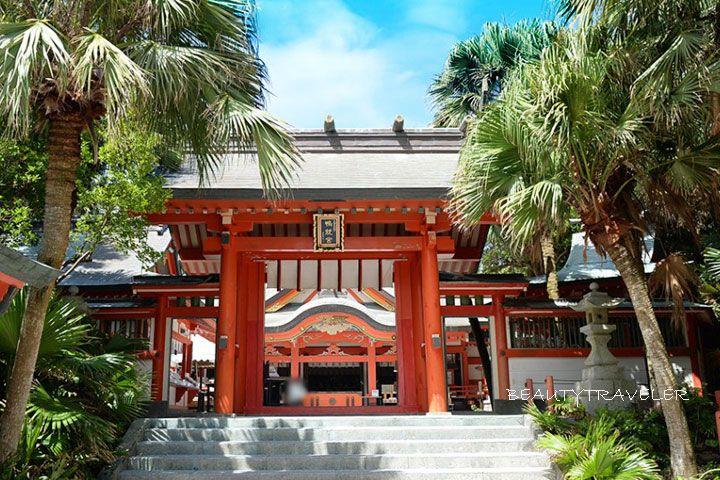 2日目朝:インスタ映えスポットの青島神社とモアイ像