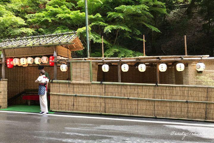 京都駅から約60分で川床エリア「貴船」へ