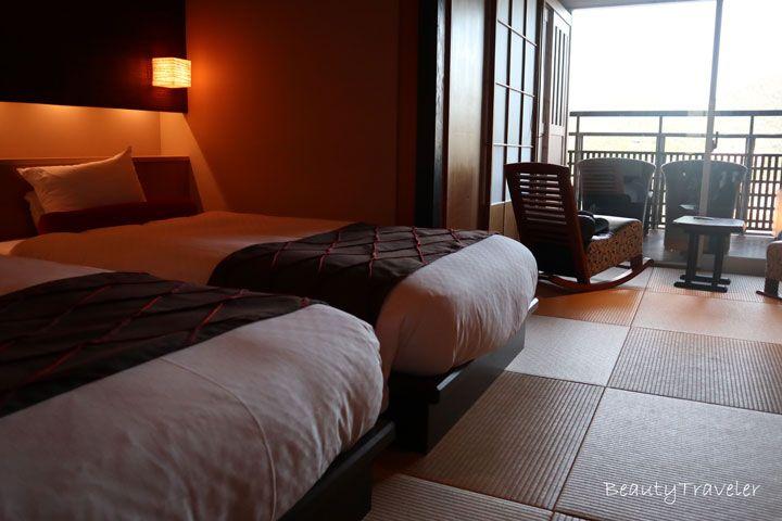 部屋は仙酔島と弁天島を望むオーシャンビュー