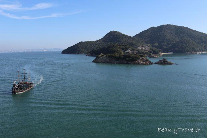 潮待ちの港で海を望む 広島「汀邸 遠音近音」でくつろぐ1日