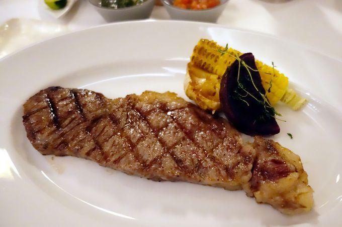 レストランの朝食では沖縄グルメに舌鼓