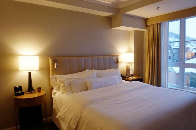 リゾート気分を盛り上げる広々とした客室