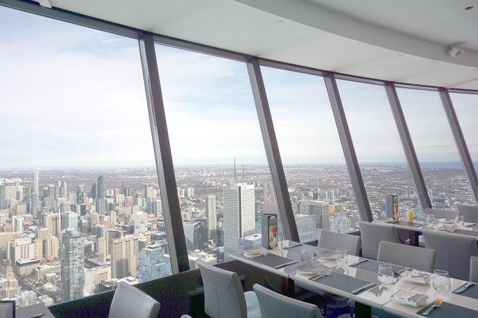 CNタワー展望台に無料で上れる「360レストラン」