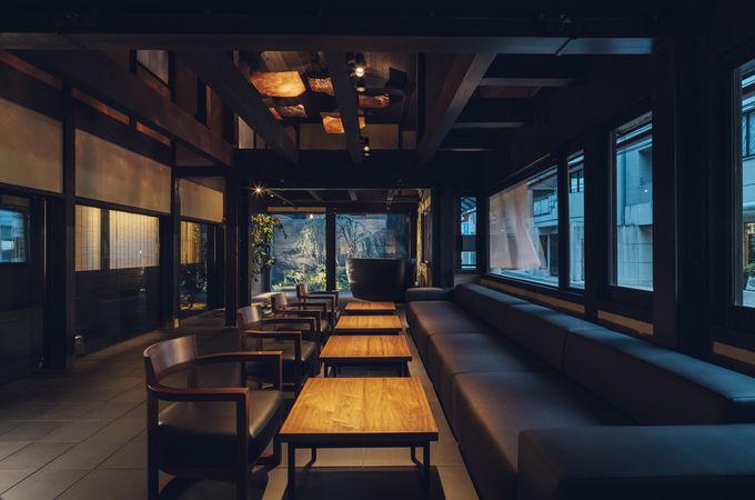日本酒をフリーフローで楽しめるラウンジ
