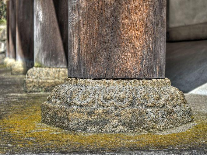 御上神社本殿縁束礎石 〜 国宝本殿の一部分をなす石造美術