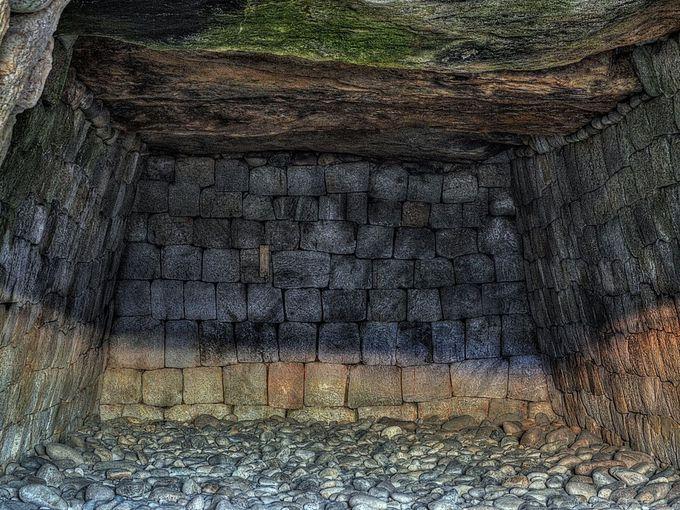 広々とした石室の綿貫観音山古墳