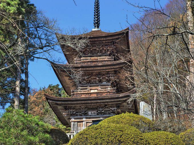 去り際につい振り返ってしまうほどに美しい大法寺三重塔