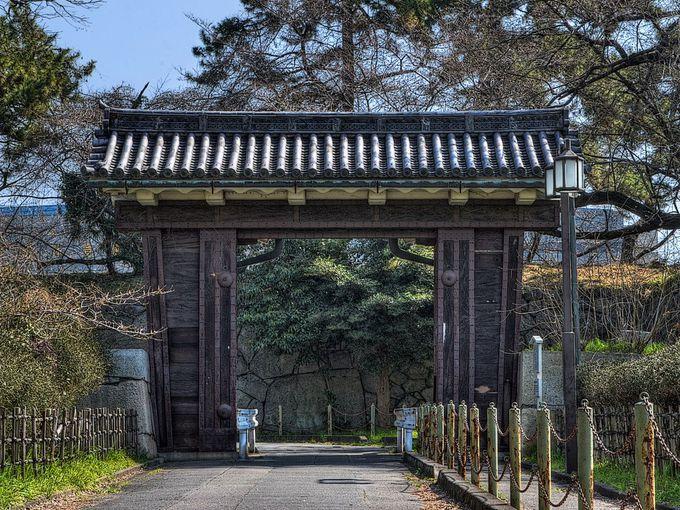 二之丸大手二之門 〜 体育館西側にある門も重要文化財