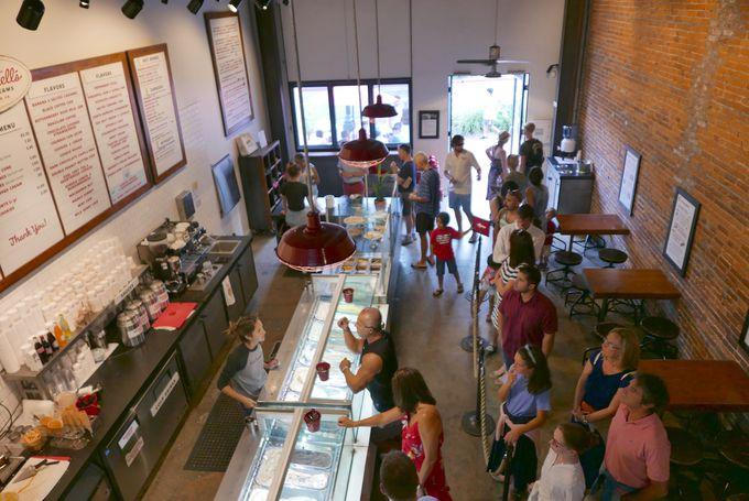 行列のできるアイスクリーム店、マコーネルズ・ファインアイスクリーム