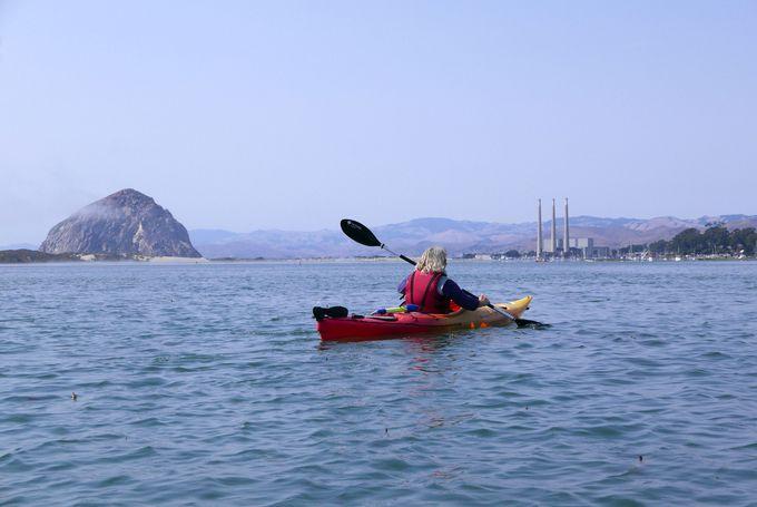 穏やかな入り江でカヤック体験