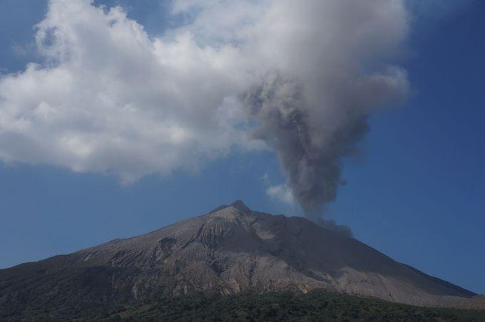 活発な噴火活動を間近に!
