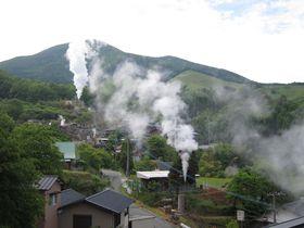 阿蘇・小国「わいた山荘」で極上温泉と名物「鶏の地獄蒸し」を堪能!