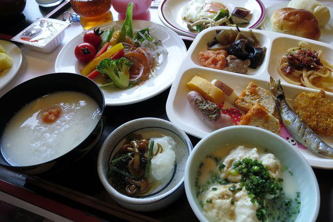 新鮮野菜たっぷりの朝食ビュッフェ