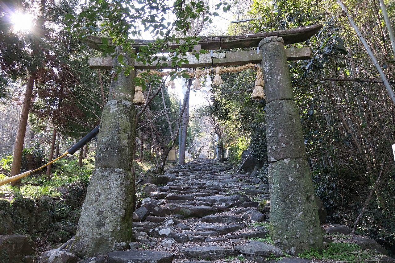 有明海に面した風光明媚な白石町にある「稲佐神社」