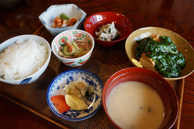 亀の井別荘の食事処「湯の岳庵」