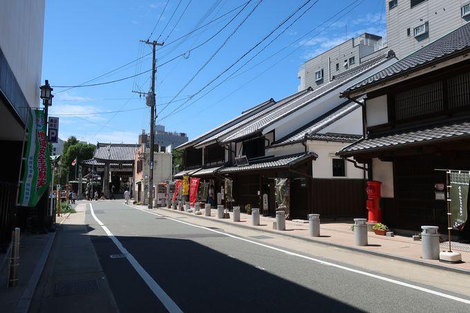 櫛田神社から徒歩1分、「博多町家」ふるさと館から徒歩30秒