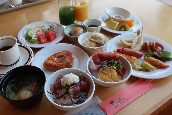 自分で作る海鮮丼が楽しく美味しい!朝食ビュッフェ