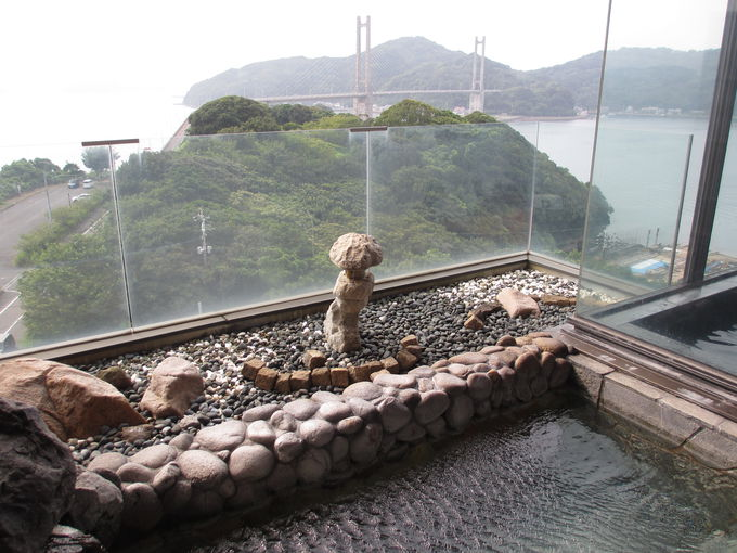 呼子湾を眺めながら浸かる展望風呂は癒やしのひととき