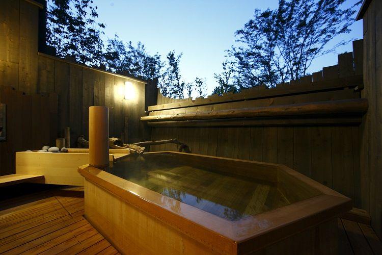 種類いっぱいの温泉を楽しんだ後にはアイスのサービスも!
