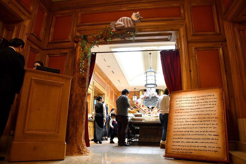 連日満席の人気ストロベリーブッフェ、約50種ものメニュー